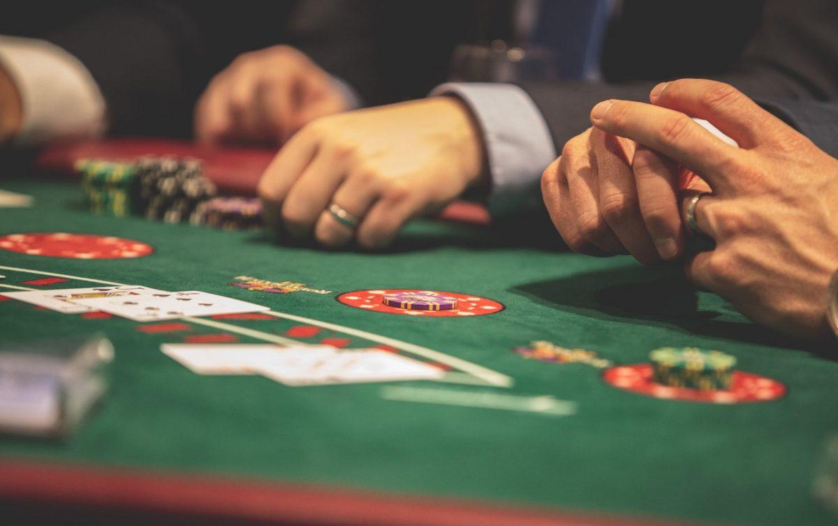 Ciri Ciri Situs Judi Poker Online Terpercaya